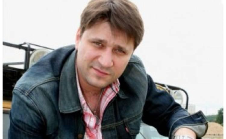 Виктор Логинов женился
