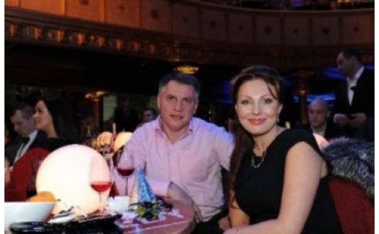 Наталья Бочкарева вышла в свет с мужем