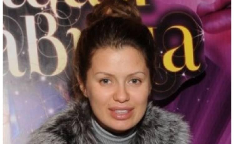 Беременная Виктория Боня выходит в свет без макияжа