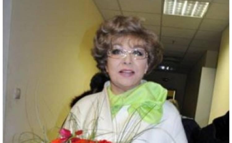 СМИ: Мужа Эдиты Пьехи убило ее свадебное платье