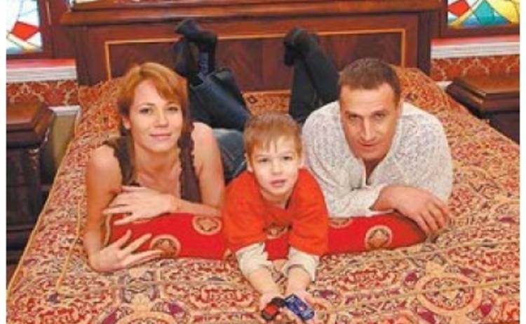 Мать актера Александра Дедюшко рассказала о своей жизни после смерти сына