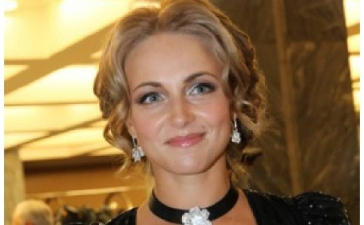 Актриса из сериала Татьянин день сменила имидж простушки