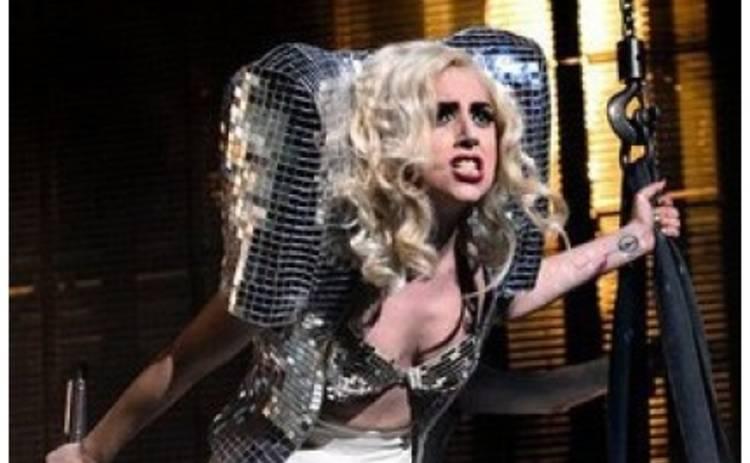 Lady GaGa перестанет общаться с прессой