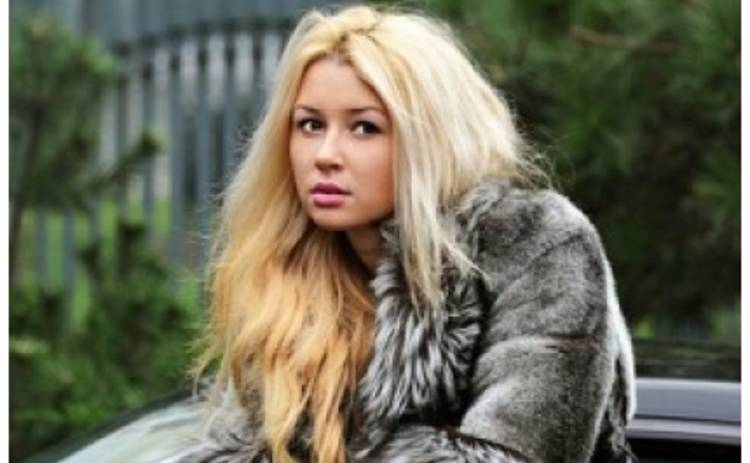 16-летняя дочь Заворотнюк обнародовала интимный снимок