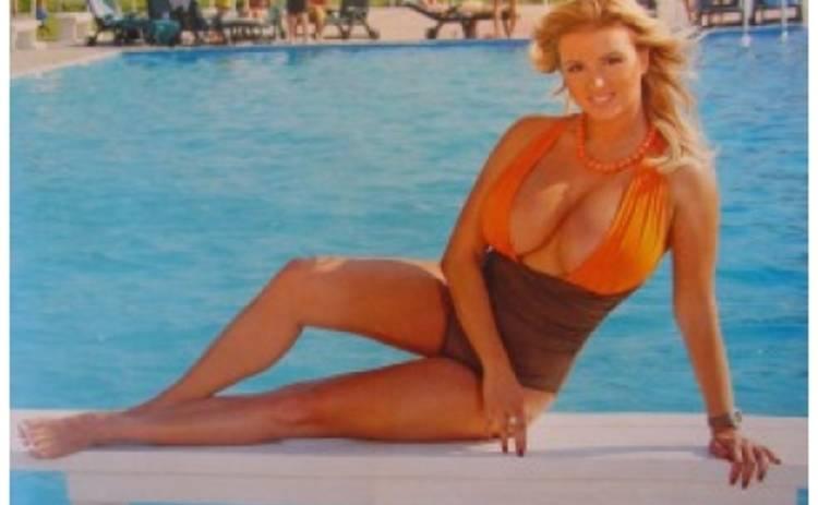 Жених Анны Семенович приказал певице уменьшить грудь – СМИ