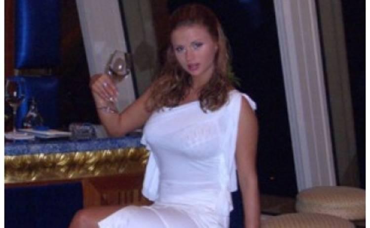 Анна Семенович находится на четвертом месяце беременности