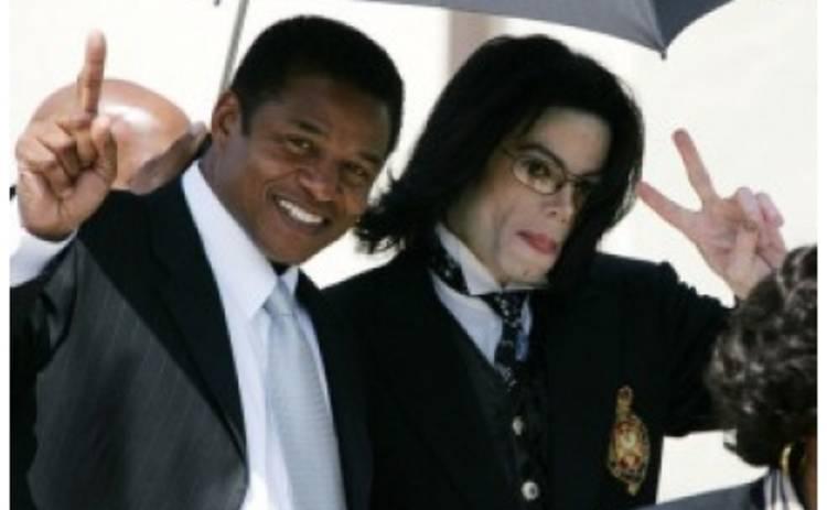 Майкла Джексона обвинили в попытке убийства собственного брата