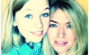 12-летняя дочь Веры Брежневой публикует вызывающие фото