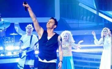 """""""Як дві краплі"""": Валерий Харчишин стал лидером Depeche Mode и отпраздновал победу"""