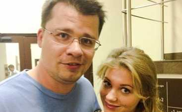 Гарик Харламов и Кристина Асмус празднуют месяц дочери