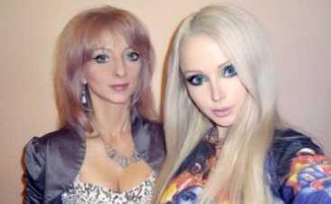 Одесская Барби опубликовала фото с мамой