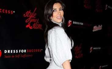 Ким Кардашьян активно объедается на ночь