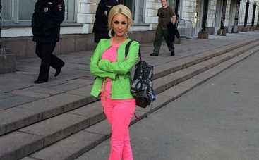 Лера Кудрявцева покорила безупречным весенним образом