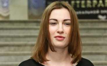 Настя Приходько сменила цвет волос и вышла в свет без макияжа