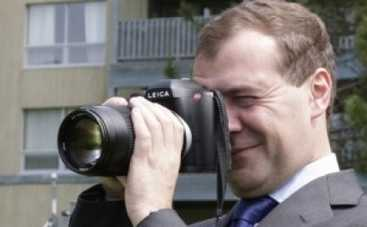 Премьер-министр России Медведев показал китайцам свое хобби