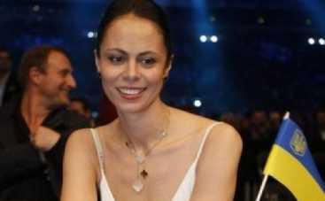 Бой Кличко-Леапаи: жена Виталия Кличко спела его брату перед выходом на ринг