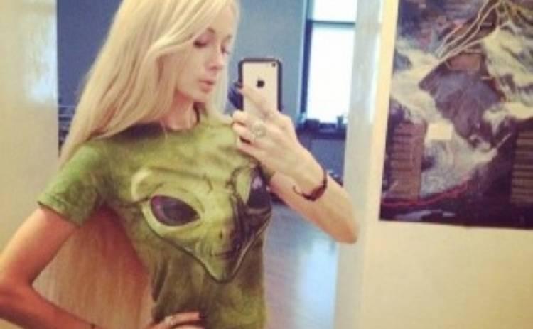 Одесская Барби пугает фанатов пришельцами