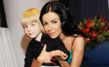 Юлия Волкова оставила детей без папы