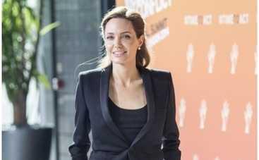 Анджелина Джоли хочет сменить гражданство