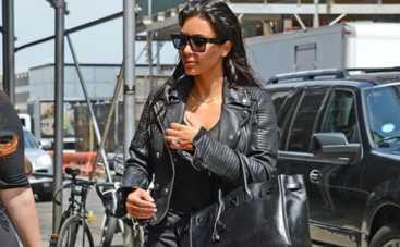 Какие наряды выбирают Ким Кардашьян и другие звезды для ежедневных выходов