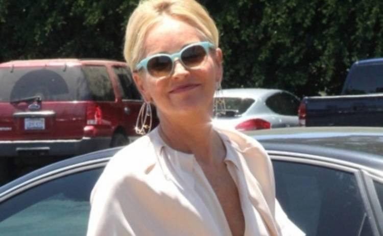Шерон Стоун появилась на людях в странном наряде (ФОТО)