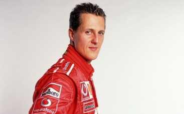 Михаэль Шумахер последние новости: пилот Формулы-1 пошел на поправку