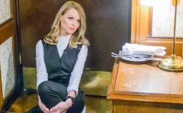 Инспектор Фреймут: ведущая и ее команда попали за решетку в Париже