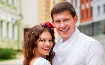 Коли ми вдома: Алексей Тритенко и Зоряна Марченко показали свадебные фотографии (ФОТО)