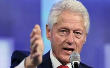 Билл Клинтон показал первые фото с внучкой (ФОТО)