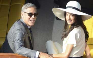 Джордж Клуни и Амаль Аламуддин: подробности медового месяца на Сейшелах