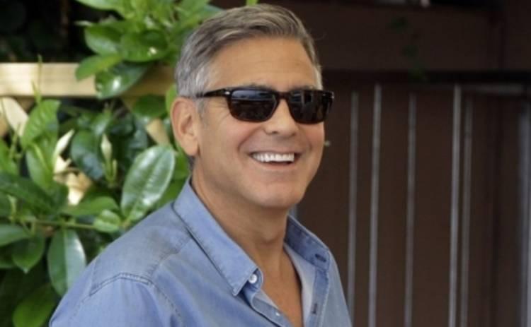Джордж Клуни с медового месяца улетел на Землю будущего (ВИДЕО)