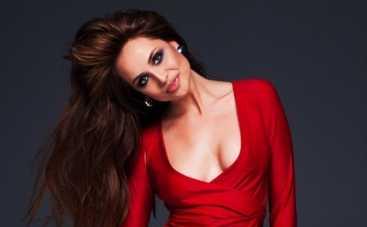 Украинская Анджелина Джоли стала участницей группы REAL O