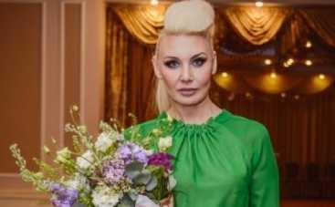 Светлана Вольнова - приманка для молодых парней