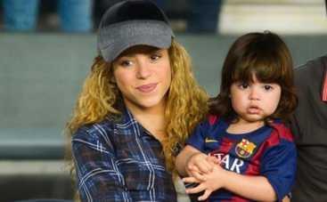 Шакира с сыном попали на скамейку запасных (ФОТО)