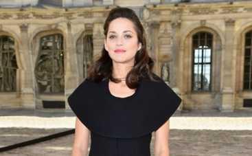 Марион Котийяр: стала ночной бабочкой в новой рекламной компании Lady Dior