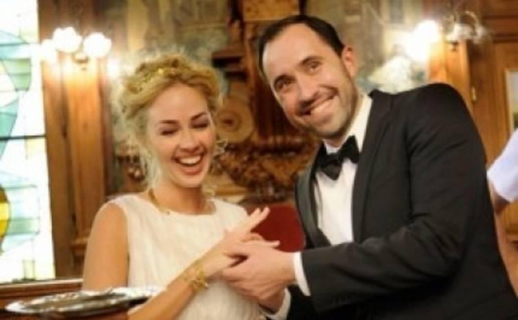 Активистка FEMEN Александра Шевченко вышла замуж в Париже