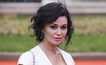 Анастасия Заворотнюк спела с Би-2 (ВИДЕО)