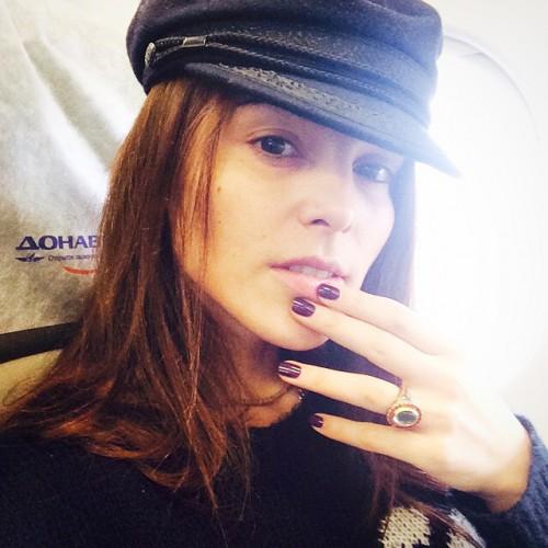 Сати Казанова показала лицо без макияжа