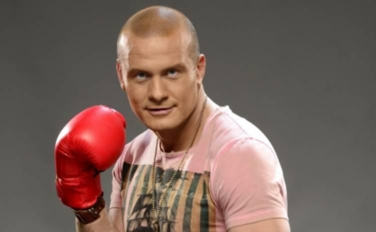 Зважені та щасливі 4: Вячеслав Узелков подарил боксерские перчатки сыну Сергея Чопика