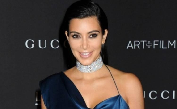 Ким Кардашьян взорвала интернет голой попой (ФОТО)