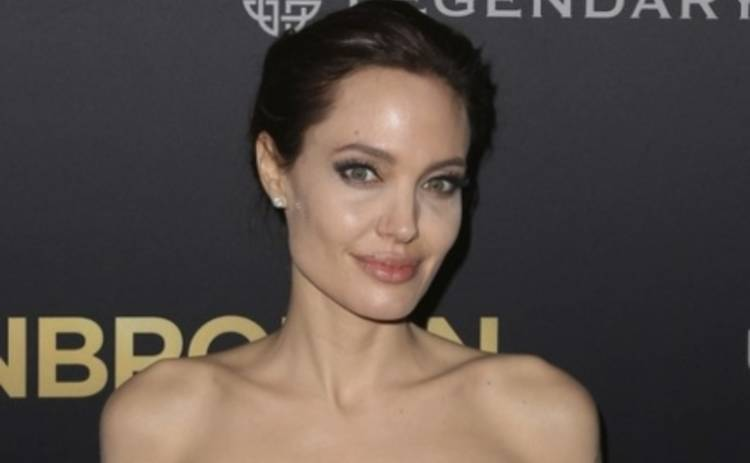 Анджелина Джоли шокировала поклонников худобой (ФОТО)