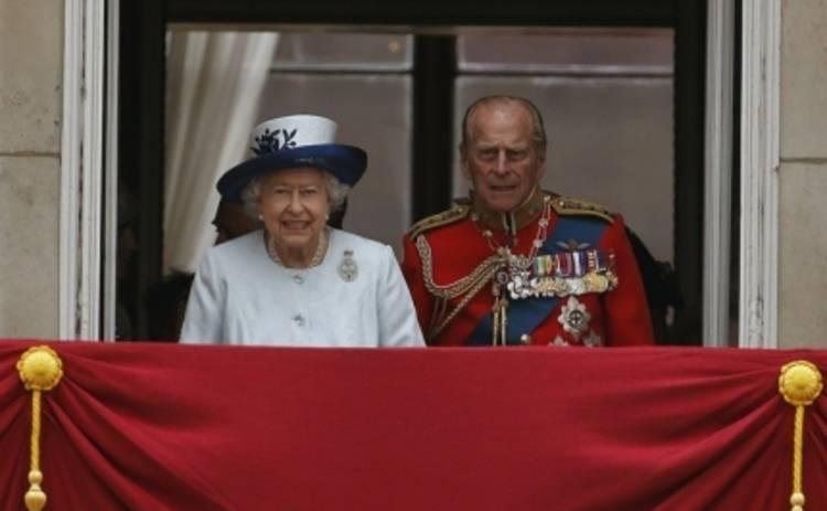 Елизавета II отреклась от престола