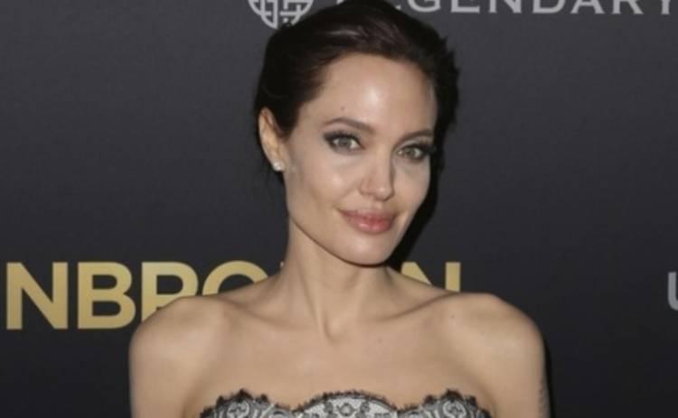 Анджелина Джоли призналась, что ей некомфортно в роли актрисы