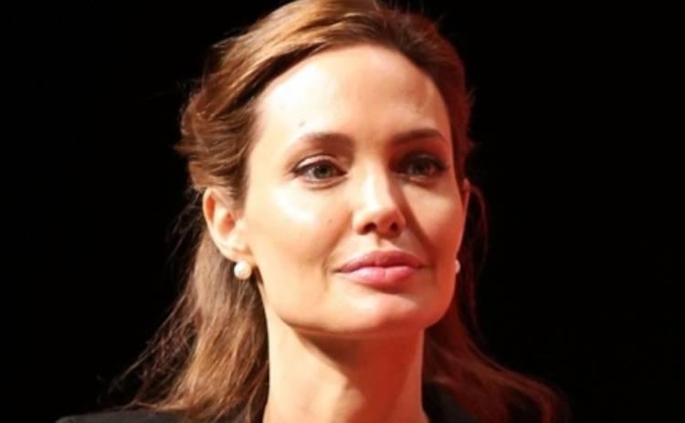 Анджелина Джоли обеспокоила Тину Канделаки