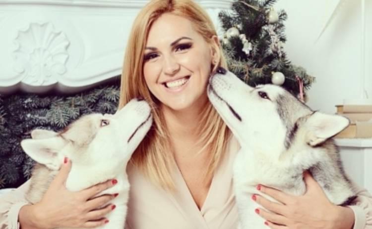 Яна Клочкова устроила новогоднюю фотосессию с волками (ФОТО)
