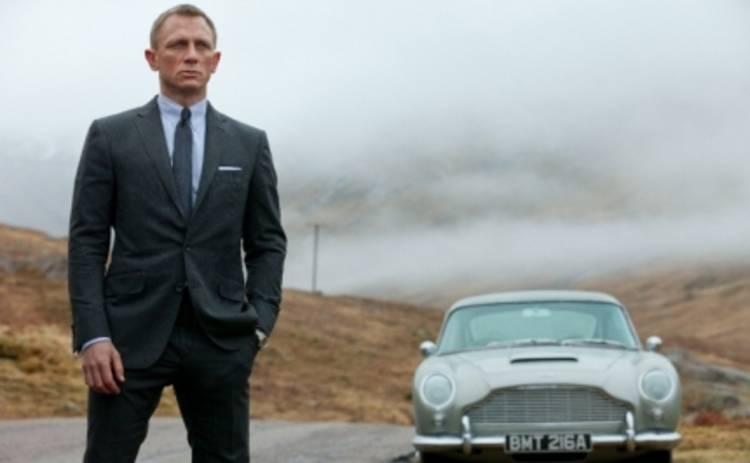 Джеймса Бонда обокрали: у агента 007 угнали 9 авто!
