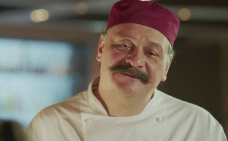 Кухня 4: Дмитрий Назаров покрывает русского Деда Мороза (ФОТО)