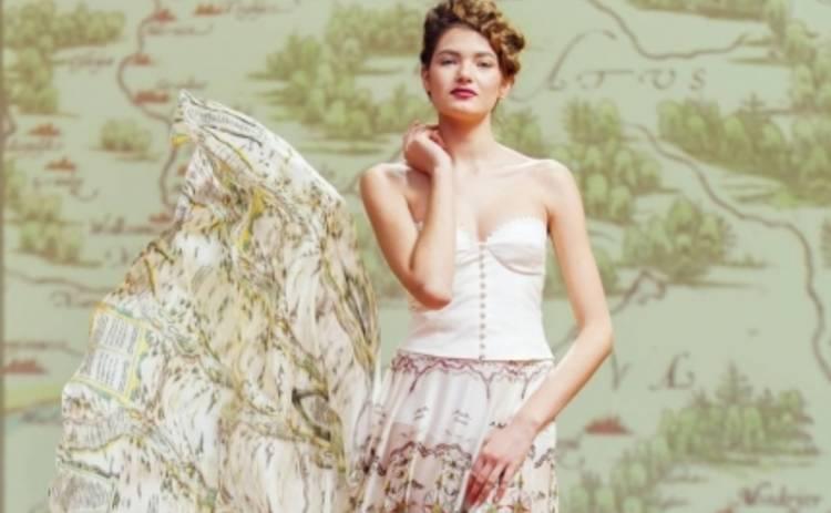 Украинские дизайнеры окунулись в историю: Мила Негру создала коллекцию платьев-карт (ФОТО)