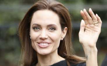 Анджелина Джоли голодает из-за съемок фильма