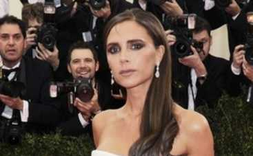 Виктория Бекхэм рискнула смыть макияж (ФОТО)